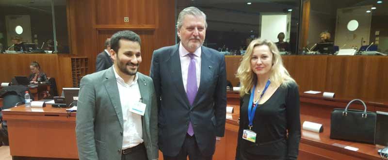 En el Consejo de Ministros de Deportes de la UE, el ministro Íñigo Méndez de Vigo con el consejero valenciano Vicent Marzá. Fuente: CSD