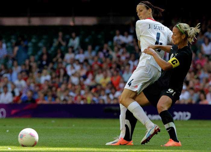 Inglaterra y Nueva Zalanda en los Juegos de Londres 2012. Fuente: AP