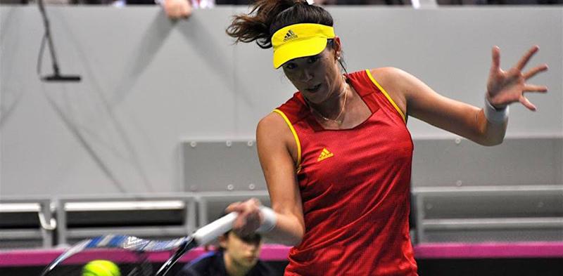 La tenista Garbiñe Muguruza durante un partido de la eliminatoria de la Fed Cup ante Serbia. Fuente: RFET