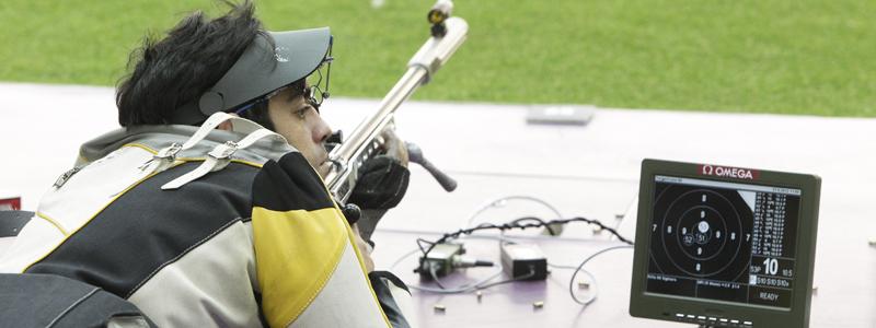 El tirador gallego Juan Antonio Saavedra durante una competición. Fuente: CPE