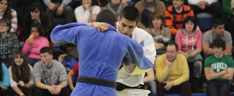 El joven madrileño Álvaro Gavilán durante un combate. Fuente: AD