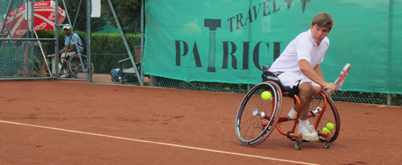 El tenista Martín de la Puente, durante un partido. Fuente: AD