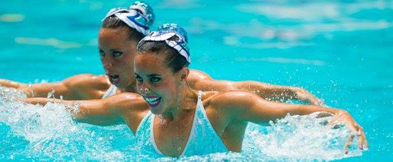 Gemma Mengual y Ona Carbonell en una de sus actuaciones en el dúo de natación sincronizada. Fuente: COE
