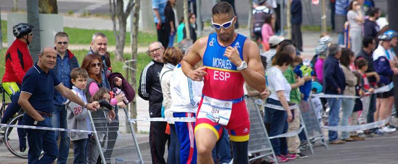 El paratriatleta lanzaroteño, Lionel Morales, durante una competición.