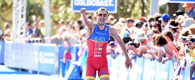 El triatleta español, Fernando Alarza, en la competición de Gold Coast. Fuente: ITU