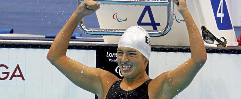 La nadadora canaria, Michelle Alonso, ha logrado batir el récord del mundo que ella ostentaba en 100 braza. Fuente: CPE