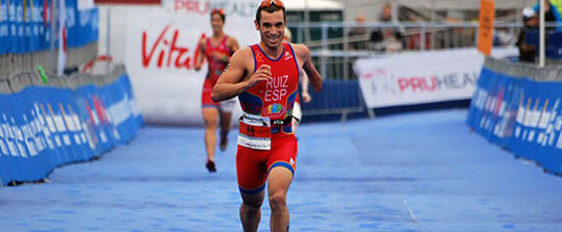 El triatleta almeriense, Jairo Ruiz, logra la plata en el Europeo en la categoría PT4. Fuente: triatlon.org