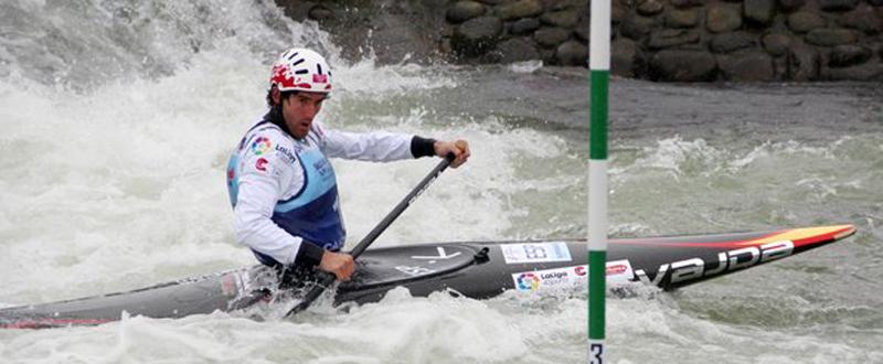 El piragüista Ander Elosegi en la prueba de C1 slalom. Fuente: RFEP