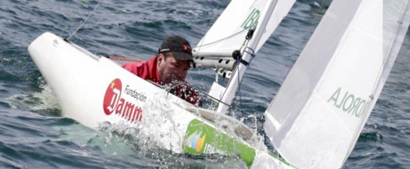 El regatista andaluz, Arturo Montes, será el representante español de la clase 2.4mR en los Juegos Paralímpicos.