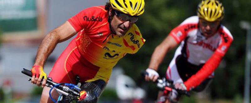 El ciclista español, Juanjo Méndez, durante una prueba de carretera. Fuente: RFEC