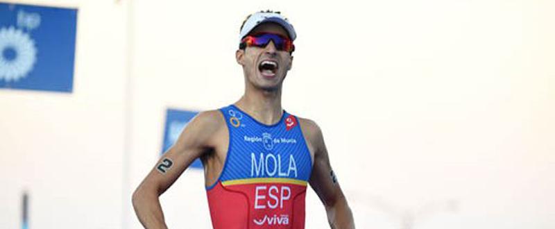 El triatleta balear, Mario Mola, logra su cuarto triunfo de la temporada en las Series Mundiales. Fuente: ITU Media
