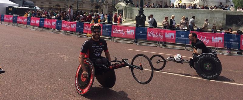El atleta español, Rafa Botello, durante la competición en el asfalto londinense. Fuente: RB
