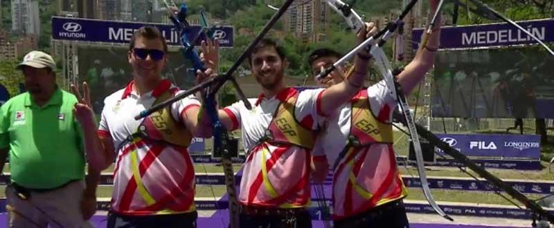 Miguel Alvariño, Juan Ignacio Rodríguez Liébana y Miguel Ángel Pifarre en Medellín, Colombia. Fuente: Federarco