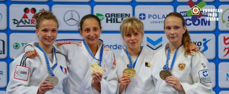 Mireia Lapuerta (segunda izquierda). Fuente: AD