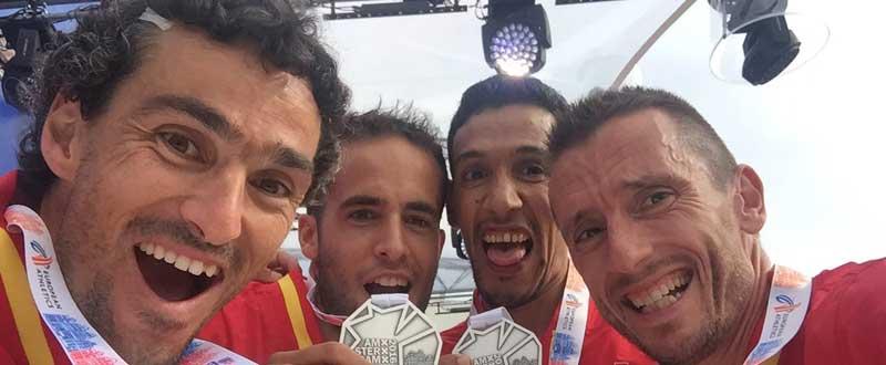 El equipo español, plata por equipos en la media maratón de Ámsterdam   Carles Castillejo