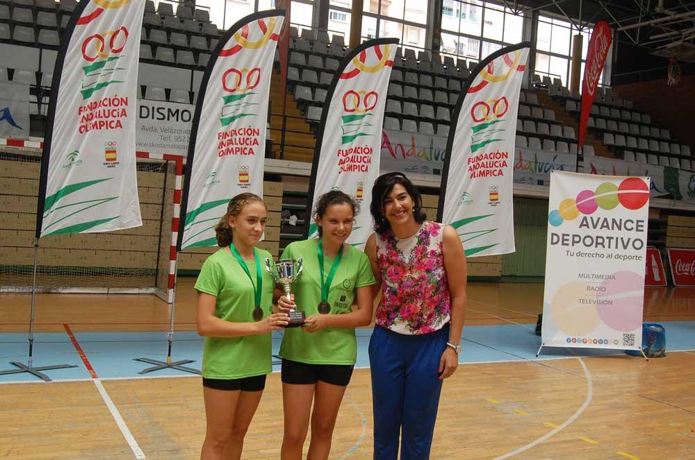 Mónica y Marta con María José Rienda. Fuente: Avance Deportivo