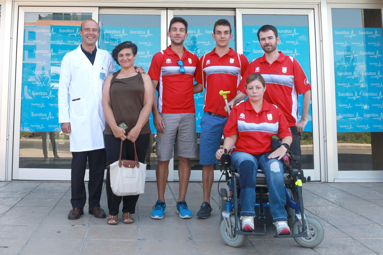 Los deportistas paralímpicos en Sanitas. Foto: CPE
