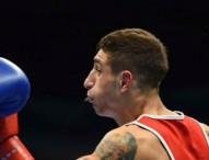 Samuel Carmona logra el pase a cuartos tras un combate disputado