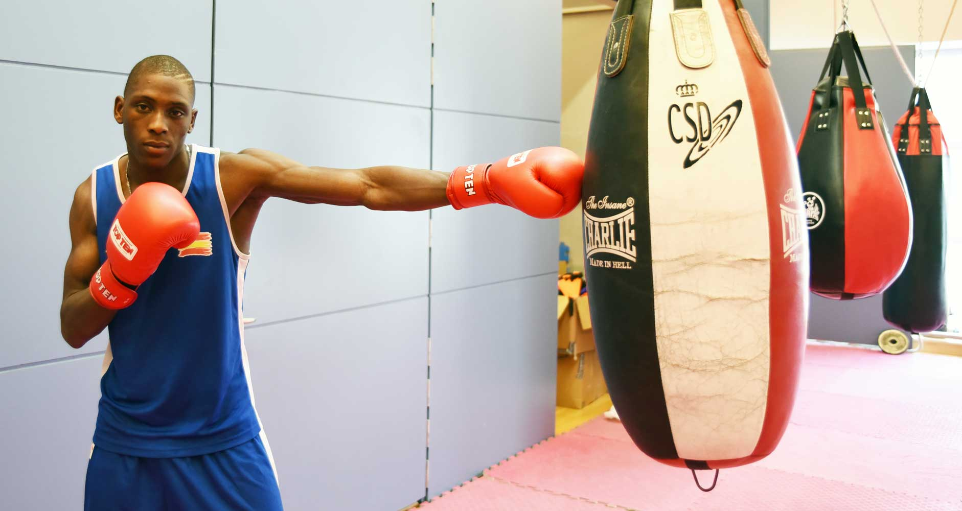 Sissokho posa para el CSD. Foto: CSD