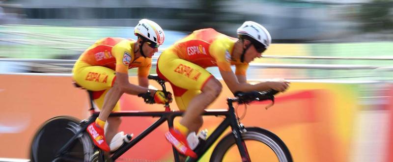 El tándem de ciclismo formado por Noel Martín y Carlos González, en los Juegos de Río. Fuente: Diego Luchini