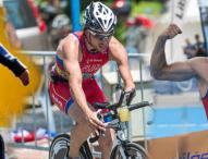 Jairo Ruiz nada, pedalea y corre hacia el podio de Río