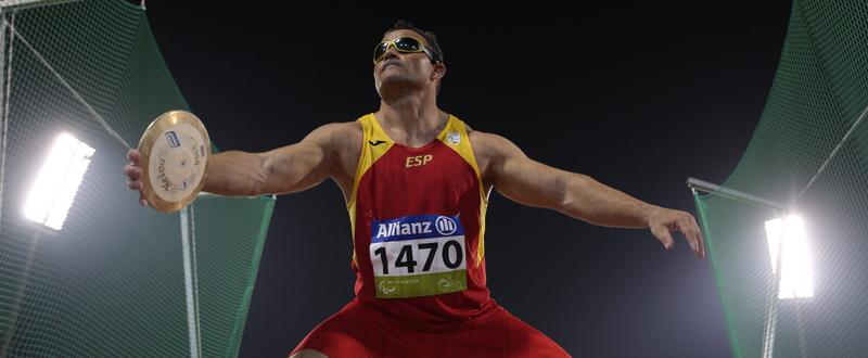 El lanzador de disco, David Casinos, logra la medalla en los Juegos Paralímpicos de Río de Janeiro. Fuente: CPE
