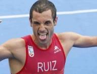 Jairo Ruiz logra el bronce en triatlón en Copacabana