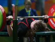 Diploma paralímpico para Loida Zabala en halterofilia
