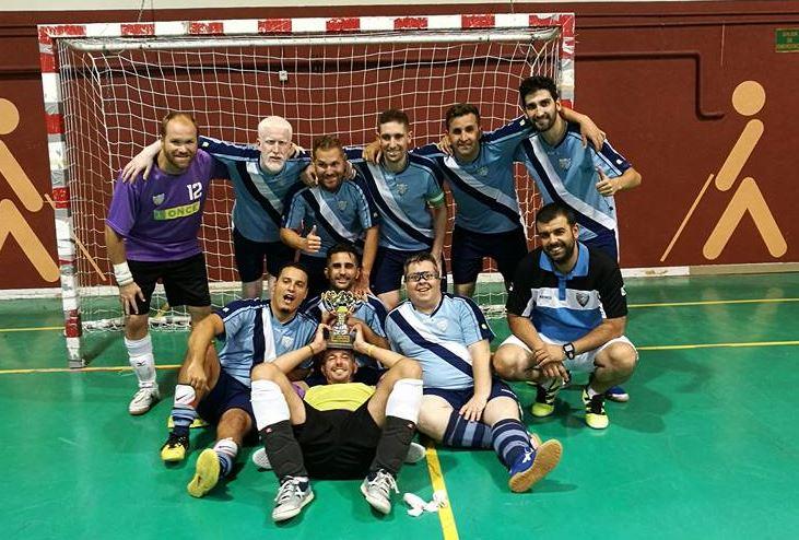 El ONCE Málaga recogiendo el título de supercampeón. Fuente: AD