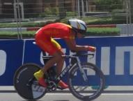 Iñigo Elosegui finaliza en el top-15 de la contrarreloj júnior en Doha