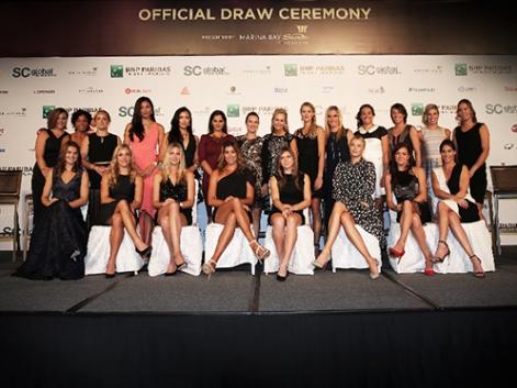 Tenista en el sorteo del masters femenino de Singapur. Fuente: Rfet