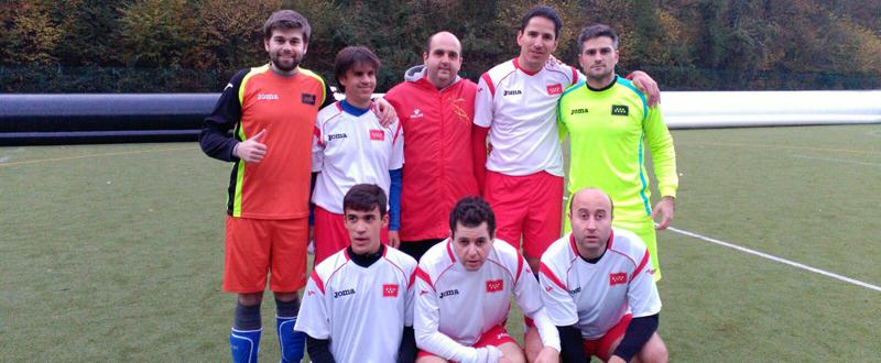 Los jugadores del equipo de BNFIT Once Madrid, antes de disputar un partido. Fuente: AD
