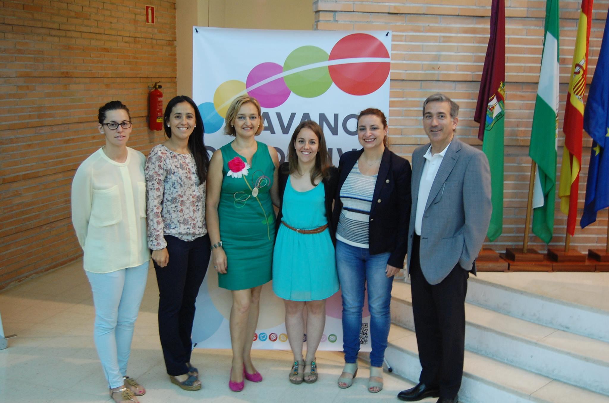 Susana Guerrero (centro izquierda).