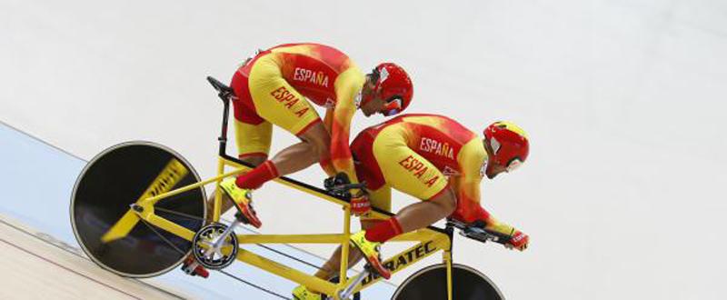 El tándem de ciclismo en pista, Ignacio Ávila-Joan Font durante una prueba en el velódromo. Fuente: RFEC