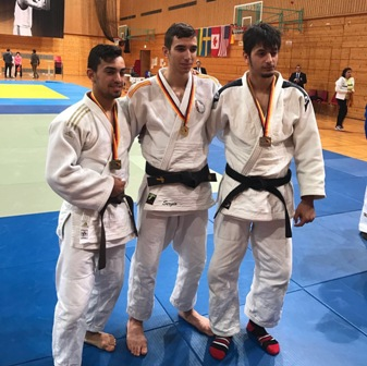 Los tres medallistas en Heidelberg. Fuente: FEDC