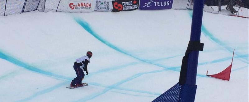 La rider española Astrid Fina, durante una competición de snowboardcross. Fuente: AD