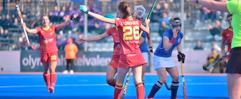 Las 'Redsticks' celebran un gol. Fuente: Arnau Martínez.