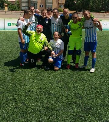 El Málaga celebra el título. Fuente: AD