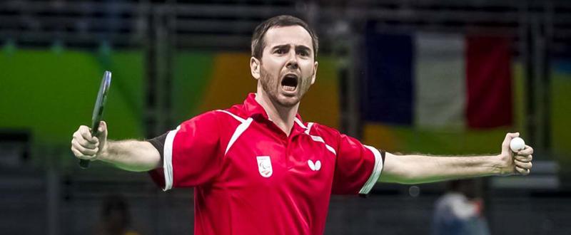 El jugador español de tenis de mesa, Álvaro Valera, celebra una victoria. Fuente: RFETM