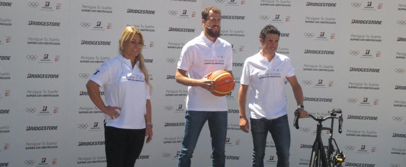 Lidia Valentín, Sergio Rodríguez y Javier Gómez Noya. Fuente: Avance Deportivo/MC