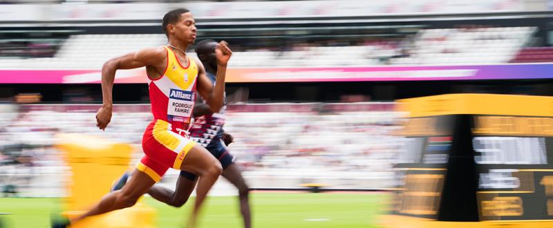 El atleta español Deliber Rodríguez se marcha del Mundial de Londres con un bronce en 400 metros y una plata en 800 metros. Fuente: CPE