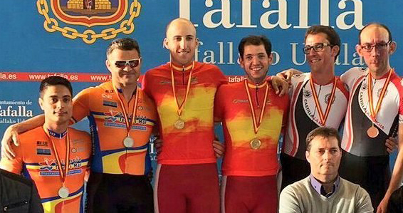 Casinos y Villanueva en el podio del campeonato de España. Fuente: RFEC