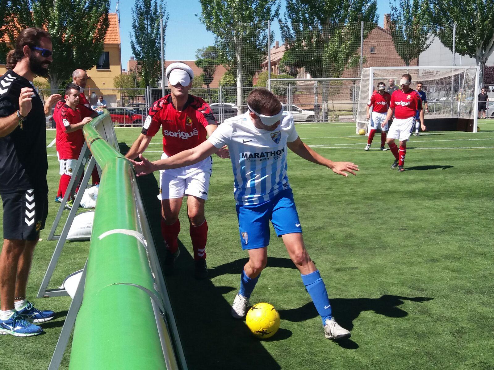 'Niño' y José López en una jugada. Fuente: AD