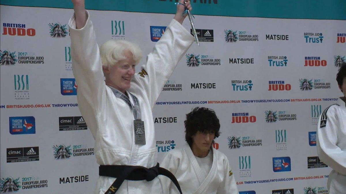 Marta Arce en el podio. Fuente: AD