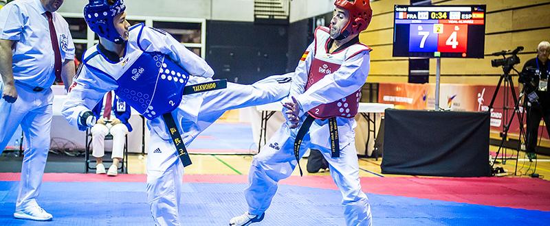 Álex Vidal (derecha) en el Mundial de Londres 2017. Fuente: worldtaekwondo.org