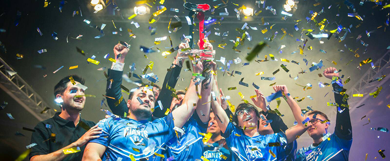Giants con el trofeo. Fuente: Giants Gaming