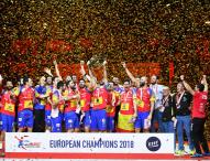 Los 'Hispanos' rompen el maleficio y se coronan en Europa (29-23)
