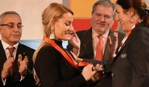Lydia Valentín recibe la medalla de plata de Pekín'08