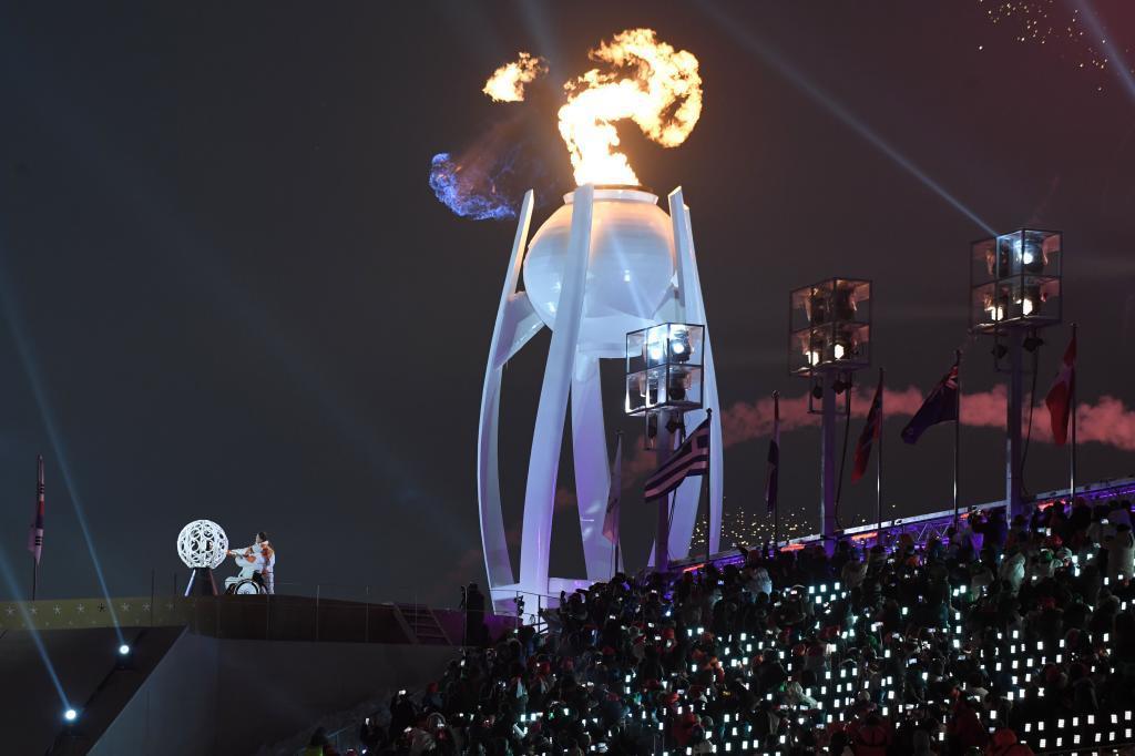 El pebetero encendido en la ceremonia inaugural de los juegos paralímpicos. Fuente: EFE Y AFP