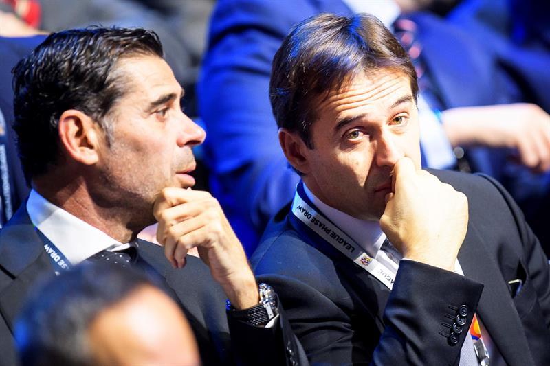 Hierro y Lopetegui. Fuente: EFE/ Jean-christophe Bott